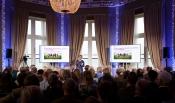 foto: blik op de zaal waar Annemieke Nijhof, raadslid Rli, haar presentatie van het advies Verbindend Landschap houdt