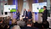 Foto: Rli voorzitter Jan Jaap de Graeff leidt het debat van de zaal met het panel, Jan Jacob van Dijk, Berno Strootman en Annemieke Nijhof