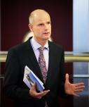 Minister Blok geeft zijn reactie op de adviezen van Rli en CRa over rijksvastgoed 15 de. 2014