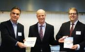 Minister Blok neemt beide adviezen over rijksvastgoed in ontvangst vlnr Eric Luiten, Rijksadviseur CRa, minister Blok, Henry Meijdam, voorzitter Rli 15 dec. 2014