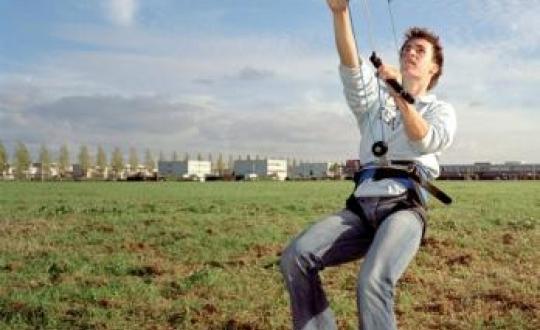 foto man met vlieger