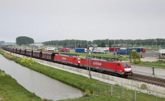 Goederenvervoer per spoor en snelweg