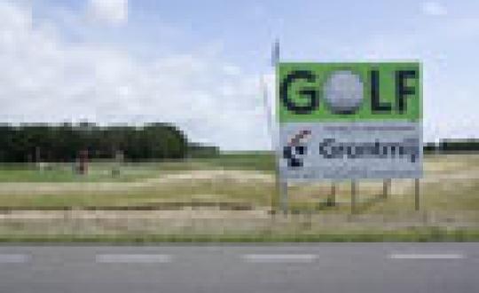 Gered landschap? (1) - Golfterrein bij Emmeloord naast afgedekte vuilstort