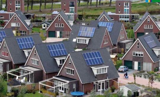 Foto Huizen met zonnepanelen